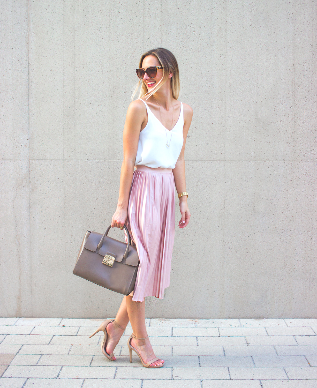 livvyland-blog-olivia-watson-topshop-blush-pink-pleated-high-waist-skirt-white-top-girly-feminine-outfit-7